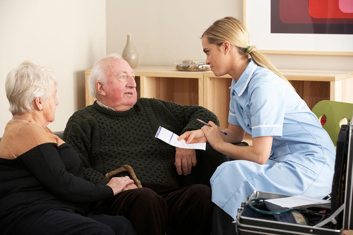 nurse with nursing home residents coronavirus